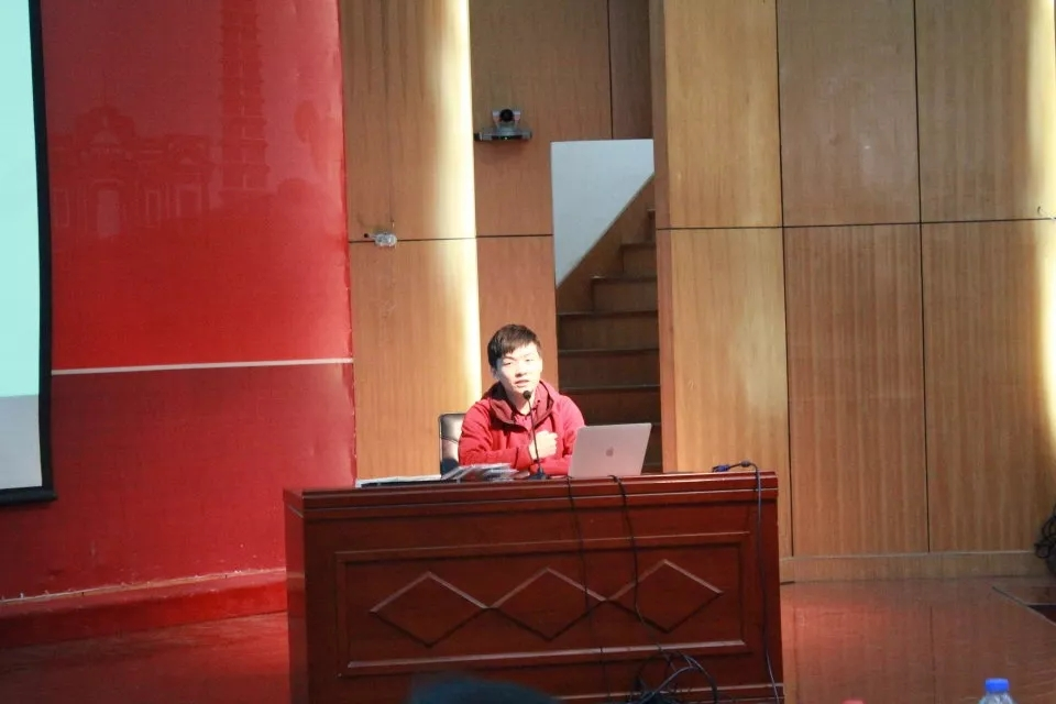 职坐标联合阿里云在河南大学开展校企交流活动讲座 | 科学引领创新 技术照耀未来