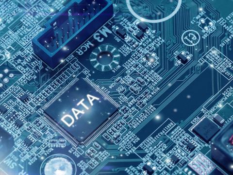 机器人之AI引��务��,�业究竟需�怎样的智能客�机器人?